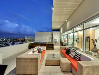 Outdoor living design with balcony from a real Australian home - Outdoor Living photo 121160