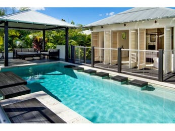 Modern pool ideas with tiles and gazebo - Outdoor leunstoel castorama ...