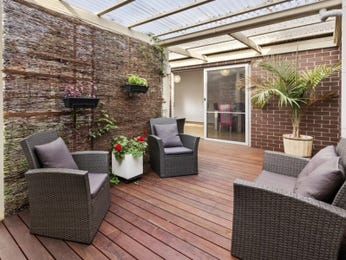 Outdoor living design with deck from a real Australian home - Outdoor Living photo 15854825