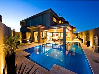 Low maintenance pool design using slate with retaining wall & decorative lighting - Pool photo 761095