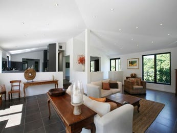 Casual dining room idea with timber & bi-fold doors - Dining Room Photo 379696