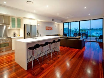 Modern kitchen-dining kitchen design using floorboards - Kitchen Photo 16042549
