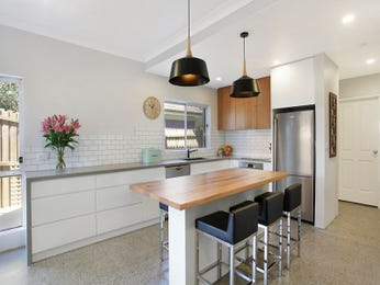 Chandelier in a kitchen design from an Australian home - Kitchen Photo 17161213