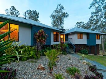 Cottage garden design using bluestone with glass balustrade & cubby house - Gardens photo 127020