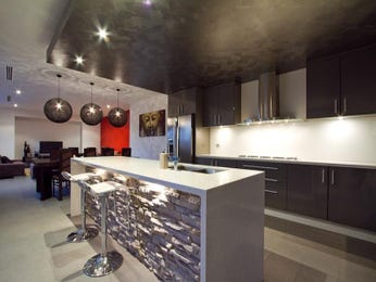 Modern island kitchen design using tiles - Kitchen Photo 582167