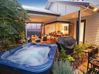 Outdoor living design with bbq area from a real Australian home - Outdoor Living photo 127893