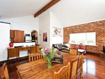 Photo of a dining room design idea from a real Australian house - Dining Room photo 8319457
