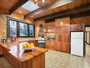Country galley kitchen design using tiles - Kitchen Photo 447384