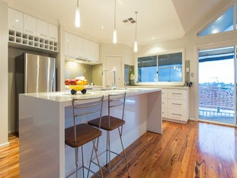 Pendant lighting in a kitchen design from an Australian home - Kitchen Photo 8949437
