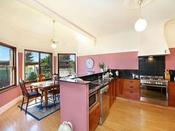Chandelier in a kitchen design from an Australian home - Kitchen Photo 975173
