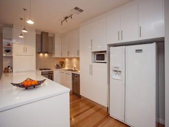 Retro u-shaped kitchen design using floorboards - Kitchen Photo 183007
