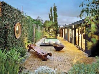 Landscaped garden design using slate with pool outdoor - Jardin japonais chez soi ...