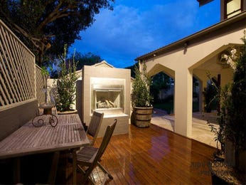 Walled outdoor living design with bbq area & latticework fence using timber - Outdoor Living Photo 452366