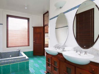 Wood panelling in a bathroom design from an Australian home - Bathroom Photo 1793649