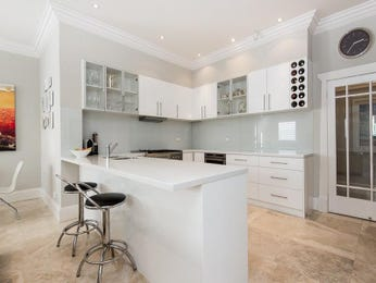 Modern open plan kitchen design using frosted glass - Kitchen Photo 8043901