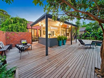 Outdoor living design with deck from a real Australian home - Outdoor Living photo 7714113