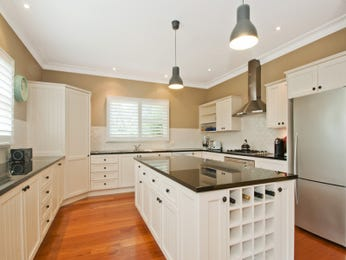 Pendant lighting in a kitchen design from an Australian home - Kitchen Photo 14754457