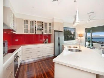 Retro l-shaped kitchen design using floorboards - Kitchen Photo 189848