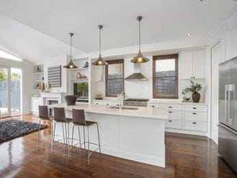 Pendant lighting in a kitchen design from an Australian home - Kitchen Photo 7624765