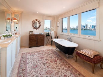 Period bathroom design with built-in shelving using ceramic - Bathroom Photo 190705