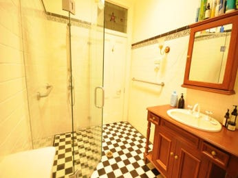 Bathroom ideas in red and yellow - Red and yellow bathroom ideas ...