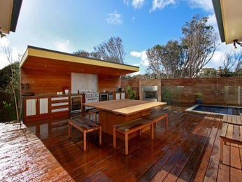 Outdoor living design with bbq area from a real Australian home - Outdoor Living photo 193727