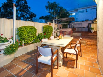 Outdoor living design with outdoor dining from a real Australian home - Outdoor Living photo 8311269