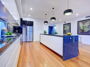 Pendant lighting in a kitchen design from an Australian home - Kitchen Photo 17029269