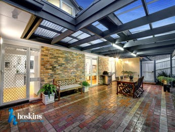 Outdoor living design with outdoor dining from a real Australian home - Outdoor Living photo 16611933