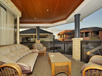 Outdoor living design with balcony from a real Australian home - Outdoor Living photo 340450