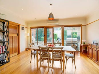Photo of a dining room design idea from a real Australian house - Dining Room photo 8039181