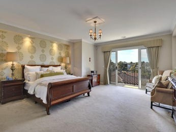 Classic bedroom design idea with carpet & balcony using beige colours - Bedroom photo 251376