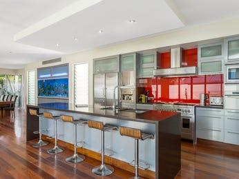 Modern open plan kitchen design using floorboards - Kitchen Photo 15629405