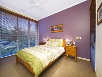 Classic bedroom design idea with carpet & louvre windows using brown colours - Bedroom photo 352919