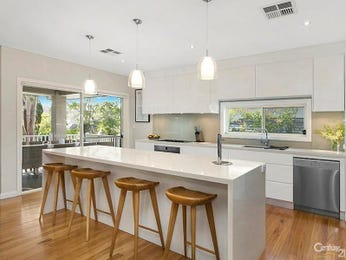 Pendant lighting in a kitchen design from an Australian home - Kitchen Photo 8841497