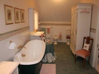 Period bathroom design with freestanding bath using ceramic - Bathroom Photo 429662