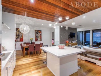 Modern open plan kitchen design using floorboards - Kitchen Photo 8082005