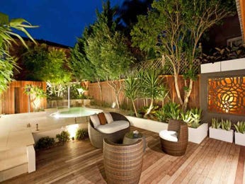 Swim spa pool design using bamboo with decking & decorative lighting - Pool photo 256633