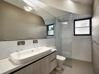 Ceramic in a bathroom design from an Australian home - Bathroom Photo 7173521