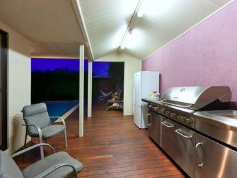 Modern single-line kitchen design using floorboards - Kitchen Photo 593905