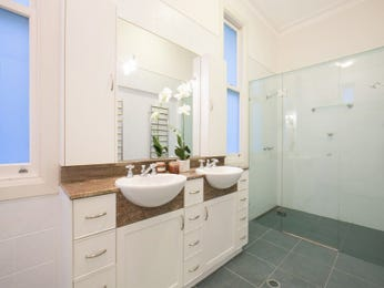 Classic bathroom design with twin basins using frameless glass - Bathroom Photo 15032345