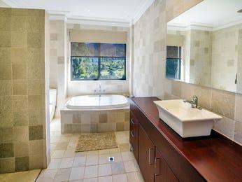 Ceramic in a bathroom design from an Australian home - Bathroom Photo 2110513