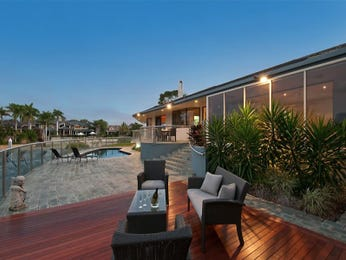 Outdoor living design with deck from a real Australian home - Outdoor Living photo 490531