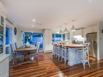 Floorboards in a kitchen design from an Australian home - Kitchen Photo 7671377