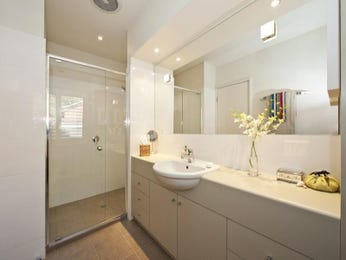 Ceramic in a bathroom design from an Australian home - Bathroom Photo 1158994