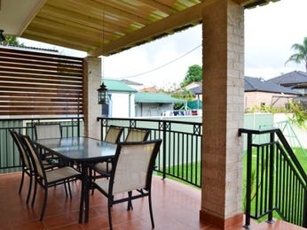 Outdoor living design with outdoor dining from a real Australian home - Outdoor Living photo 1207887