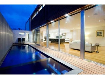 Photo of a geometric pool from a real Australian home - Pool photo 1105987