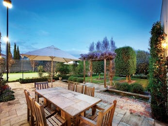 Outdoor living design with outdoor dining from a real Australian home - Outdoor Living photo 585646