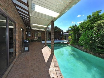 Freeform pool design using brick with bbq area & outdoor furniture setting - Pool photo 1121029