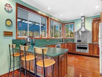 Modern open plan kitchen design using glass - Kitchen Photo 8727221